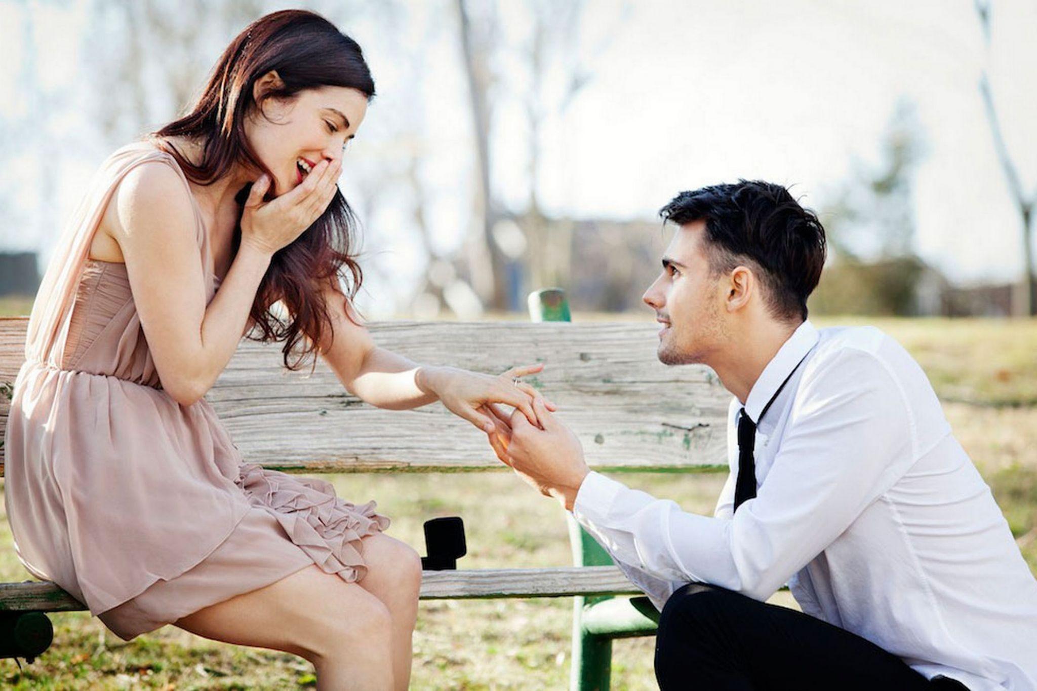 Говорят, дождь в день свадьбы к счастью, к тому же на свадебных фотографиях вы не будете щурится от