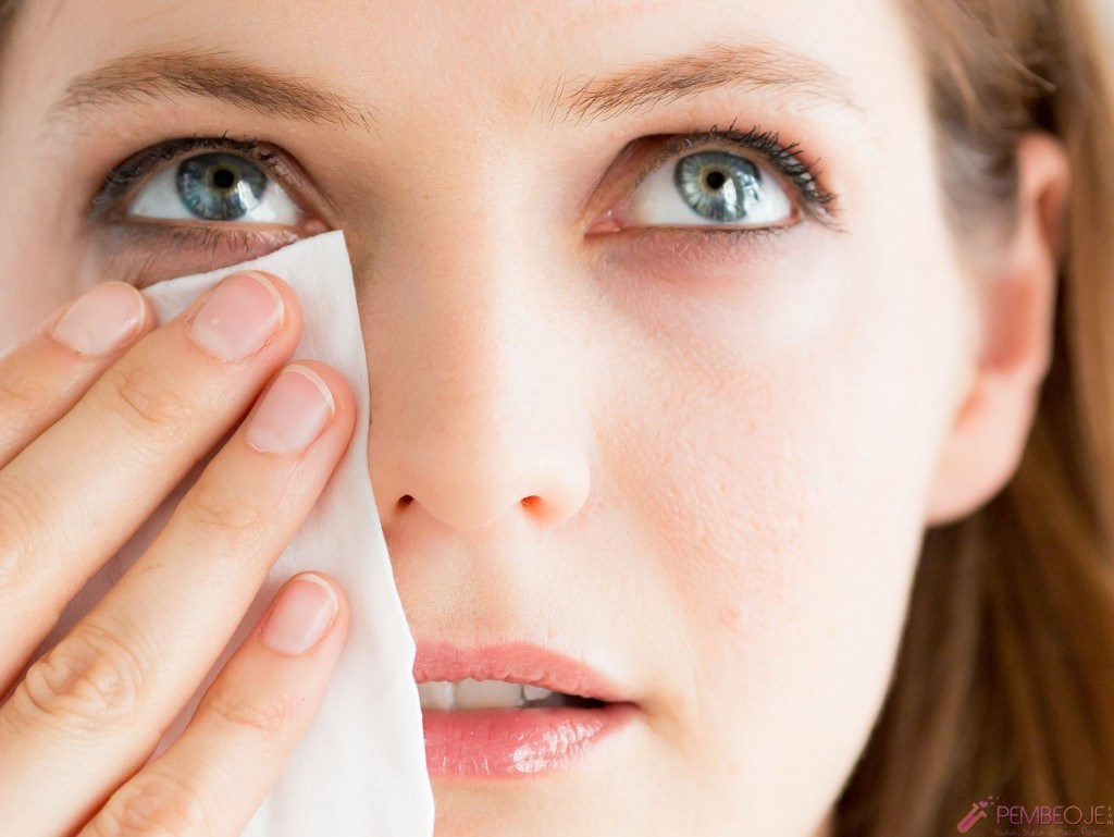 Göz makyajı nasıl temizlenir