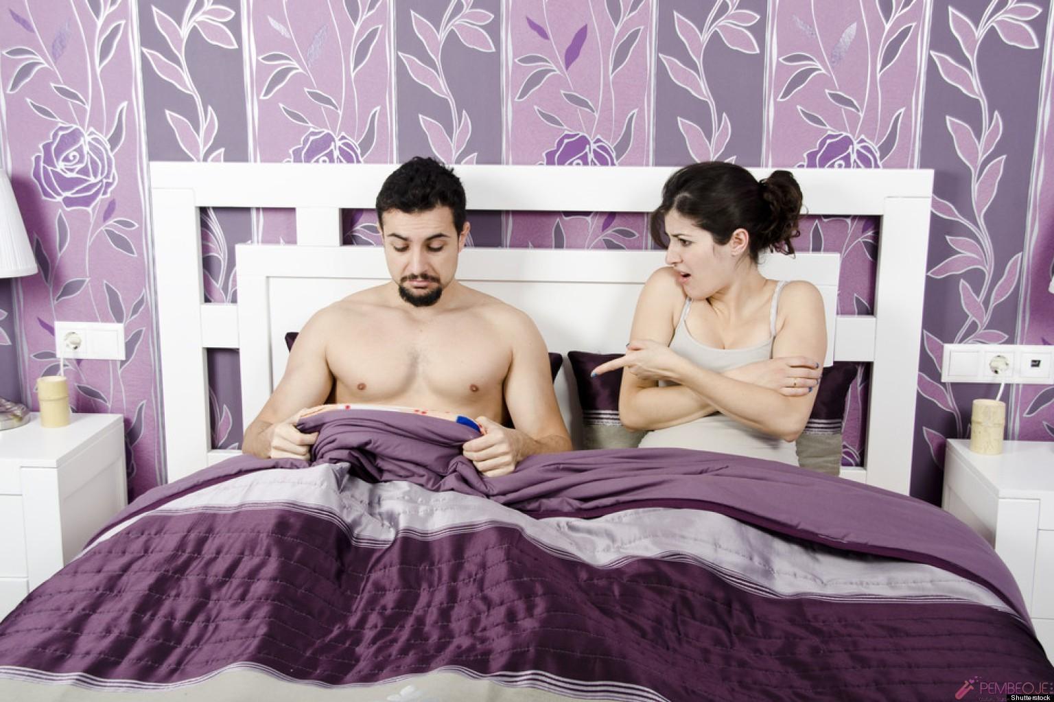 Муж с женой трахают служанку секс 133