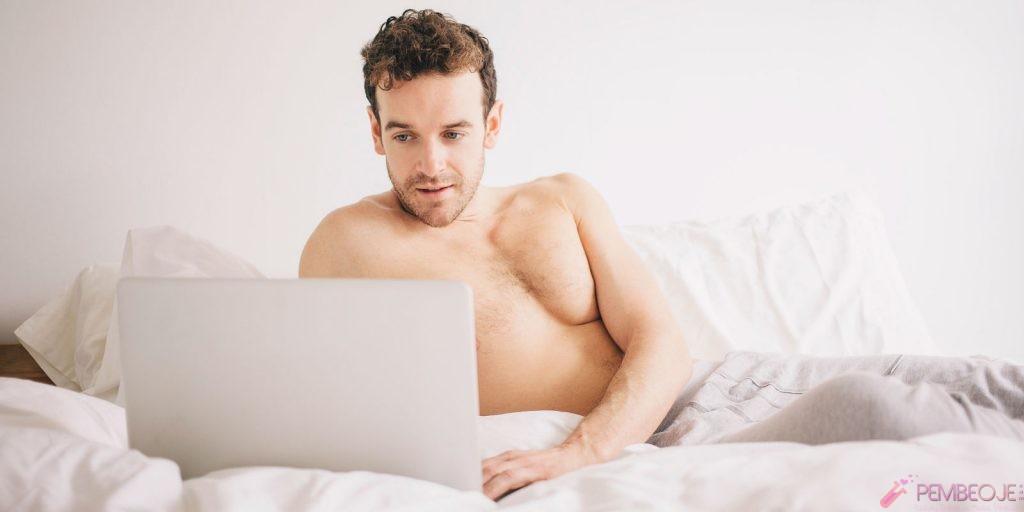 Erkek arkadaş ile porno film izlemek